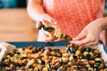 Zubereitung: Das Gemüse abwechselnd auf Spieße verteilen.