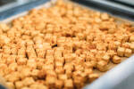 Zubereitung: Den Tofu mit Salz, Pfeffer und Paprika würzen.