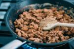 Zubereitung: Die Snackmandeln einige Minuten anbraten und regelmäßig umrühren, bis die Flüssigkeit verdampft.