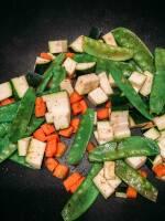 Zubereitung: Anschließend die Zucchini hinzugeben und mitanbraten