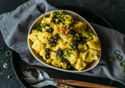 Veganes Rezept: Blumenkohlsalat mit Curry-Dressing_1