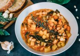 Veganes Rezept: Ribollita mit geröstetem Knoblauchbrot 1