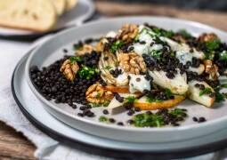 Vegetarisches Rezept: Gebackener Chicorée auf Linsen mit fein herbem Topping 1