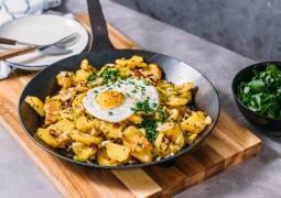 Vegetarisches Rezept: Kartoffel-Gröstl mit Spiegelei 1