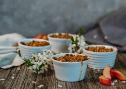 Veganes Rezept: Rhabarber-Crumble vegan 1