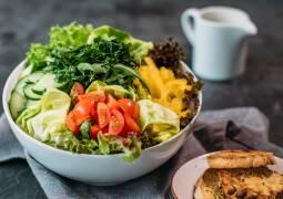 Veganes Rezept: Gemischter Salat mit Sojajoghurtdressing_1