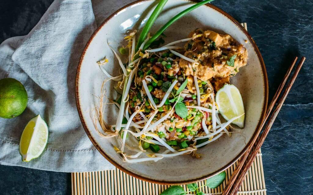Veganes Rezept: Gebratener Reis mit Erdnuss-Tofu 2