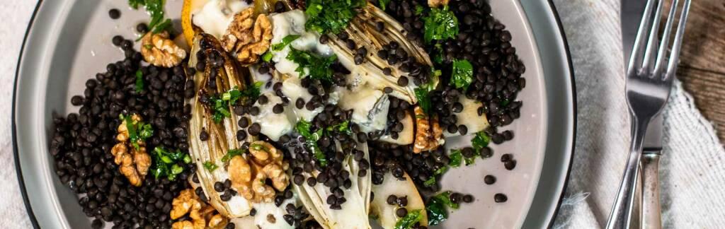 Vegetarisches Rezept: Gebackener Chicorée auf Linsen mit fein herbem Topping 2